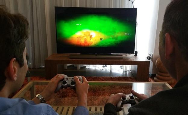 שירות PlayCast על טלוויזיה חכמה של סמסונג (צילום: זאב ינאי)