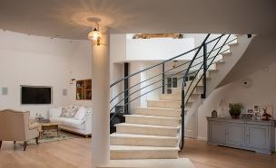 דנה שבדרון, מדרגות (צילום: גלעד רדט)
