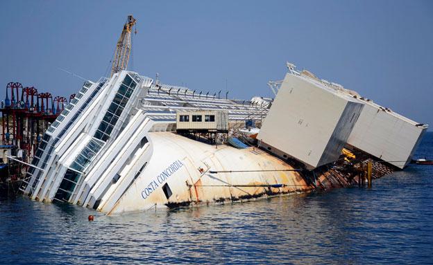 ספינת הקוסטה קונקורדיה (צילום: AP)