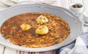 מרק עגבניות עם אורז (צילום: אסף אמברם, אוכל טוב)