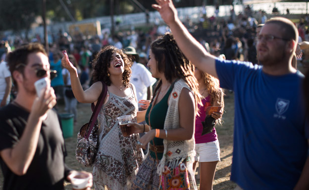 כך נלחמות המפלגות על קולות הצעירים (צילום: Yonatan Sindel/Flash90)