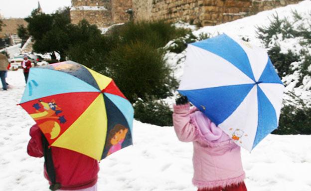 מה אפשר ללמוד ממזג האוויר הסוער? (צילום: AP)
