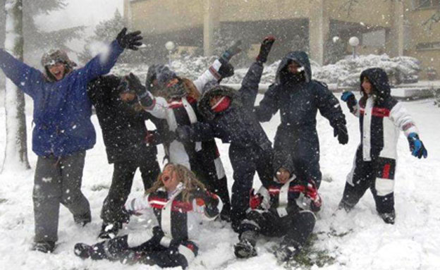 משחקים בשלג (צילום: כוכב סעדון - מרום גולן)