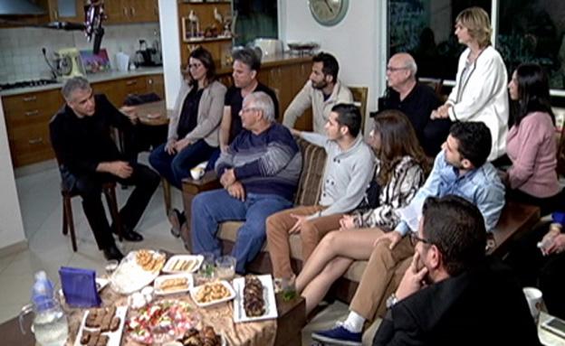 יאיר לפיד פוגש את המתלבטים (צילום: חדשות 2)