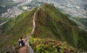 מדרגות האיקי, הוואי, מדרגות בעולם, קרדיט unrealhawaii.com (צילום: unrealhawaii.com)