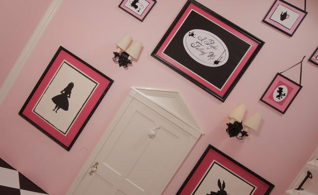 חללים שהתחפשו 06, ריצוף על הקיר, דלת, תמונות  (צילום: heatherholme.com)