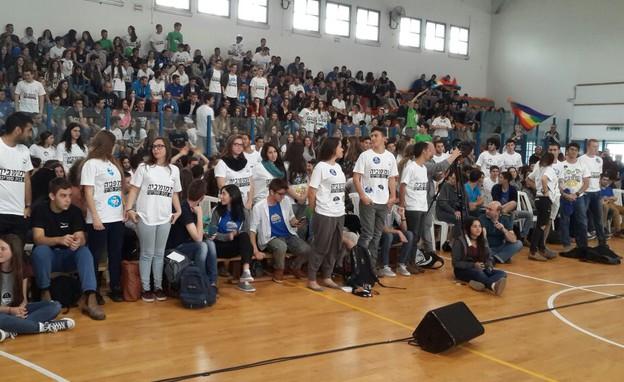 מחאת תלמידים בפאנל הבוחרים החדשים בתיכון דרור (צילום: בן רבסקי)