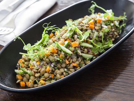 תבשיל עדשים וירקות מהיר (צילום: אסף אמברם, אוכל טוב)