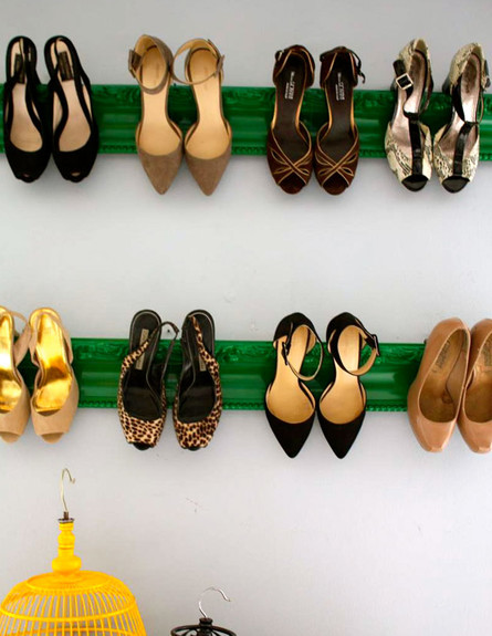 אחסון נעליים 09, תליית הנעליים לתצוגה  (צילום: jennamcarthur.com)