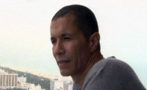 טביב נורה סמוך לביתו בכפר שמריהו