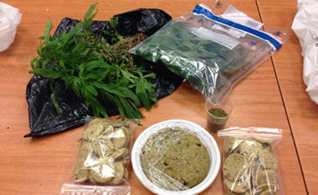 סמים נמצאו גם אצל השכנים (צילום: דוברות המשטרה)