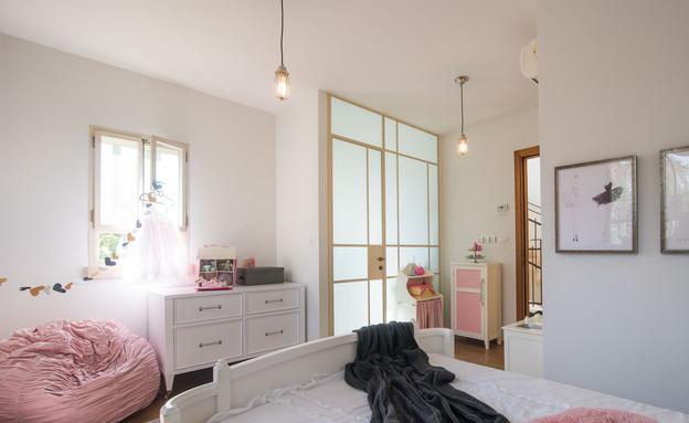 גליה בראון, חדר ילדה מיטה (צילום: גלעד רדט)