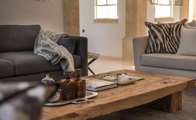 גליה בראון, שולחן סלון (צילום: גלעד רדט)