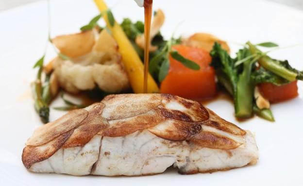 פילה מוסר ים של מסעדת מלגו ומלבר (צילום: עודד קרני, אוכל טוב)
