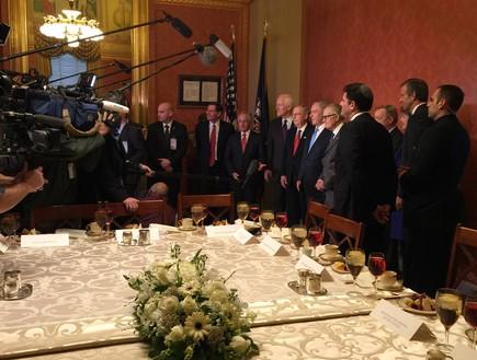פגישה עם הנהגת הסנטורים, שעתיים אחרי נאום נתניהו בקונגרס (צילום: טל שניידר)