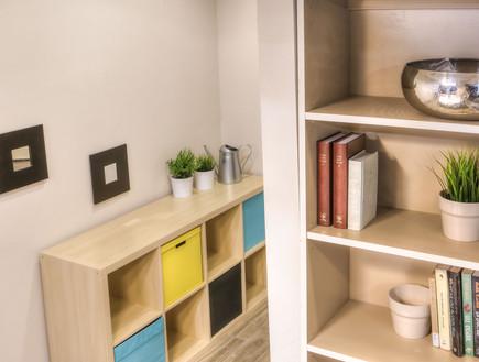 דירת עצמאות סטודיו פנימה 03, הנגרות הותאמה לצרכי הדירה ולחלל הקיים