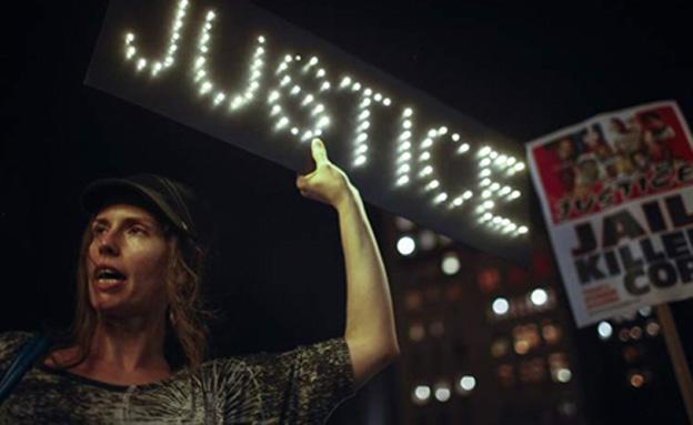 """נמשכות ההפגנות בארה""""ב (צילום: sky news)"""