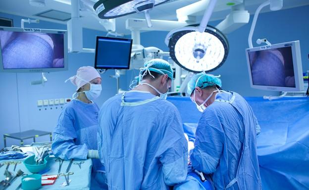 חדר ניתוח (צילום: אמיל סלמן, TheMarker)