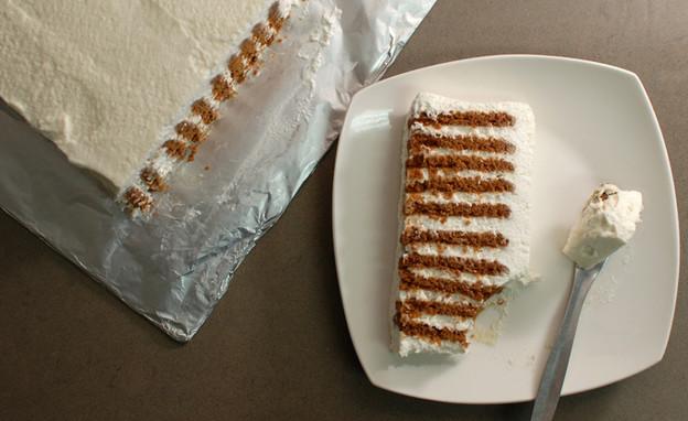 עוגת לוטוס וקצפת ב-5 דקות (צילום: נועם בסט, אוכל טוב)