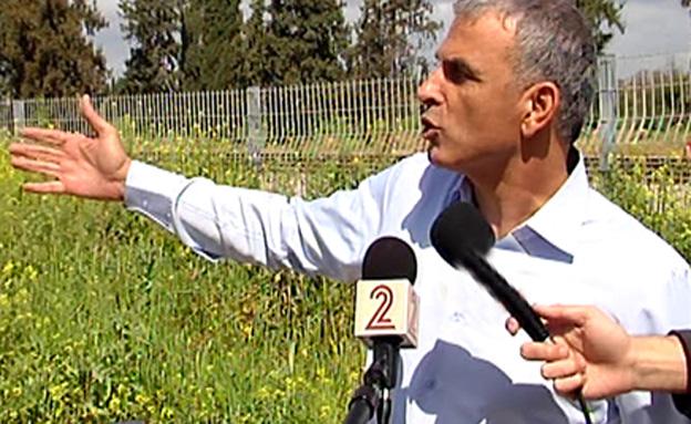 כחלון בשדה (צילום: חדשות 2)