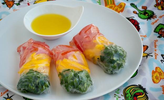 דפי אורז במילוי ירקות בשלושת צבעי הרמזור  (צילום: גלית דויטש,  יחסי ציבור )