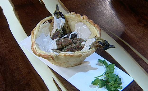 קבבוני כבש, טחינה בקערת פוקאצ'ה (צילום: קשת, מאסטר שף VIP)