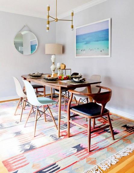 פינות אוכל, כיסא שונה בראש השולחן  (צילום: Domaine_home)