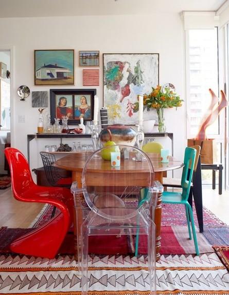 פינות אוכל, כיסאות שונים בצורה ובצבע  (צילום: umbrinco)