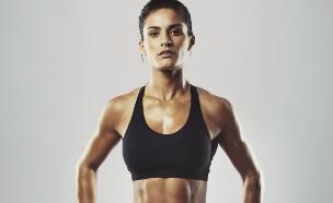 אישה עם שרירים (צילום: אימג'בנק / Thinkstock)