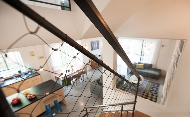 שרון אלה, גרם מדרגות (צילום: גלעד רדט)