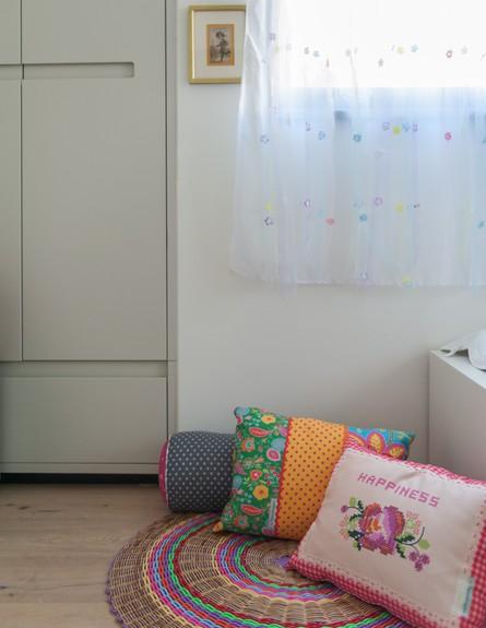 שרון אלה, חדר ילדים (צילום: גלעד רדט)