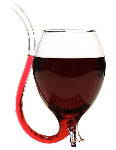 החמישייה 31.3, כוס יין עם קש
