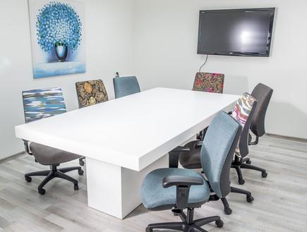 גאדג'טים למשרד, חדר ישיבות עם כיסאות עבודה בריפוד  (צילום: usexport.co.il)