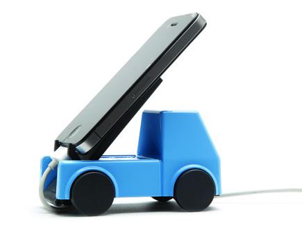 גאדג'טים למשרד, מעגן לטלפון סלולרי של קוביקה (צילום: נטלי פוקס)