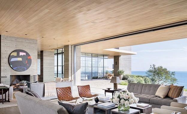 הבית הכי יקר להשכרה, פאנלים לבנים מעץ אלון יוצרים קונטרסט (צילום: Scott Frances, Architectural Digest)