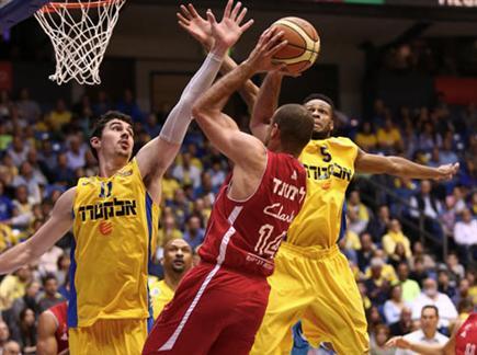 צפו בהצגה בצהוב (אלן שיבר) (צילום: ספורט 5)