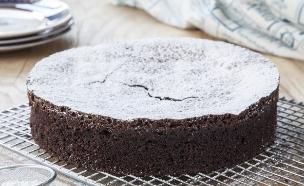 עוגת שוקולד כשרה לפסח (צילום: אסף אמברם, אוכל טוב)