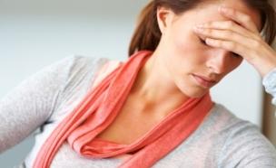 אישה עצובה (צילום: Jacob Wackerhausen, Istock)