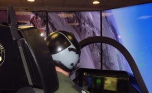 סימולטור F-35 (צילום: שי לוי)