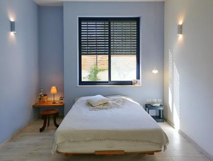 חדרי שינה 02, עיצוב מינימליסטי א-סימטרי