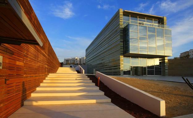 יואב מסר בשיתוף אדריכל מסימיליאנו פוקסס, מרכז פרס לשלום. (צילום: רונה וטש)