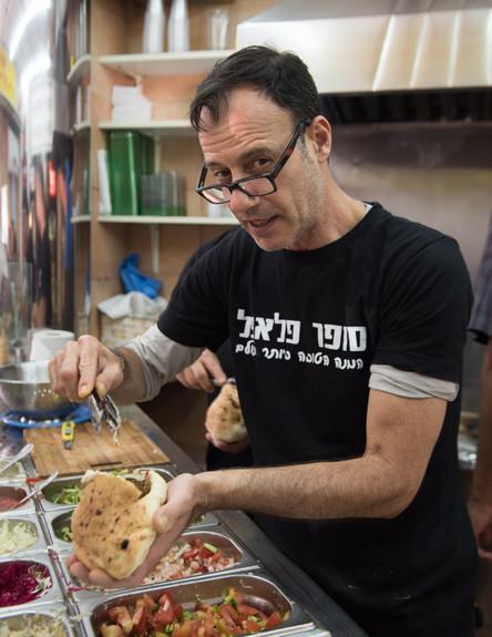 סופר פלאפל, תל אביב (צילום: נמרוד סונדרס, אוכל טוב)