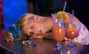 הרעלת אלכוהול (צילום: אימג'בנק / Thinkstock)