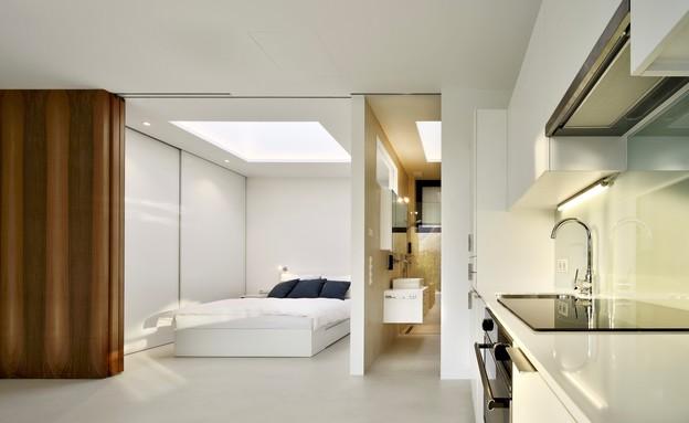 בתי המראה 13, חלונות גג בחדר השינה ובחדר הרחצה (צילום: Oskar Da Riz, Nicolò Degiorgis)