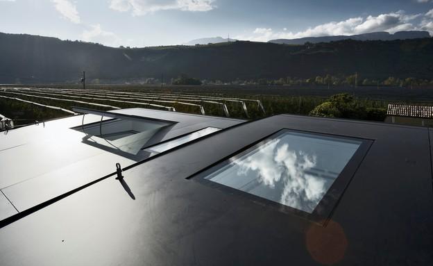 בתי המראה 14, אוורור טבעי בעזרת חלונות הגג (צילום: Oskar Da Riz, Nicolò Degiorgis)