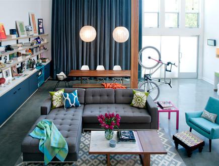 דירות רווקים 10, ריצוף בטון מוחלק, חלונות גדולים ו