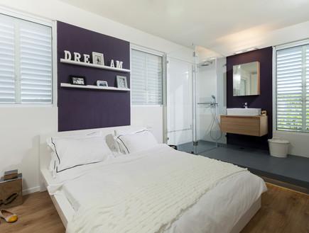 דירות רווקים 11, חדר הרחצה הוגבה על מדרגה, עיצוב-א