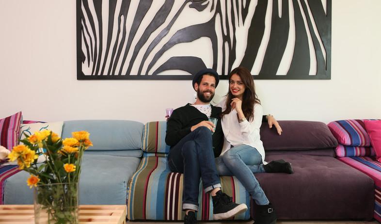 הדירה של ימית וישראל, בסלון (צילום: אבישי פינקלשטיין)