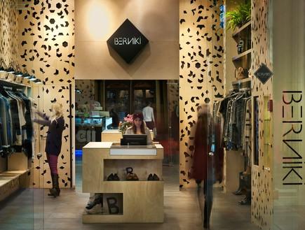 חנות בגדים, אדריכל ישראל נוטס