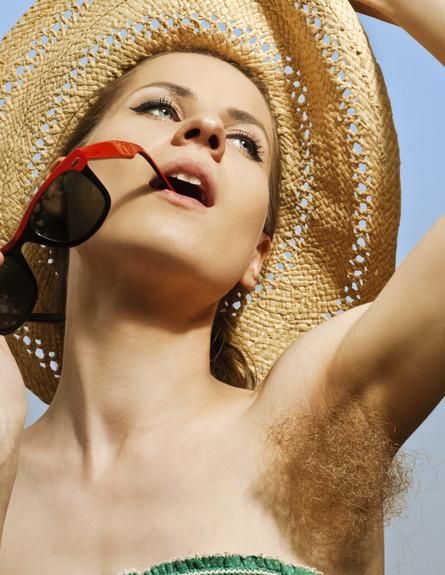 אישה עם שיער בית שחי
